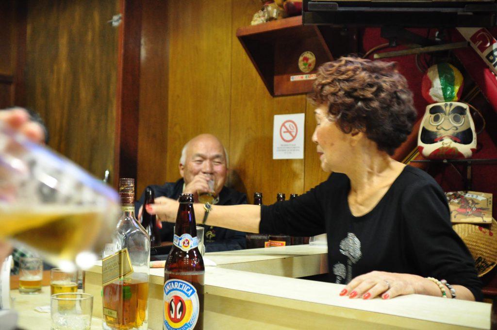 サンパウロの日本人街リベルターデにある居酒屋「津軽」